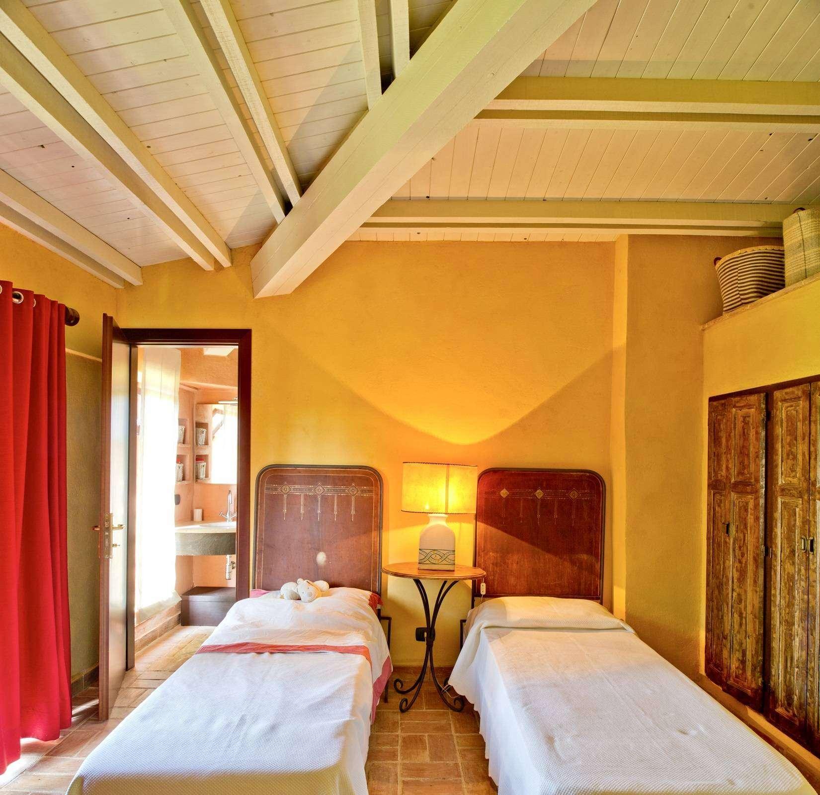 13 Afrodite Twin bedroom