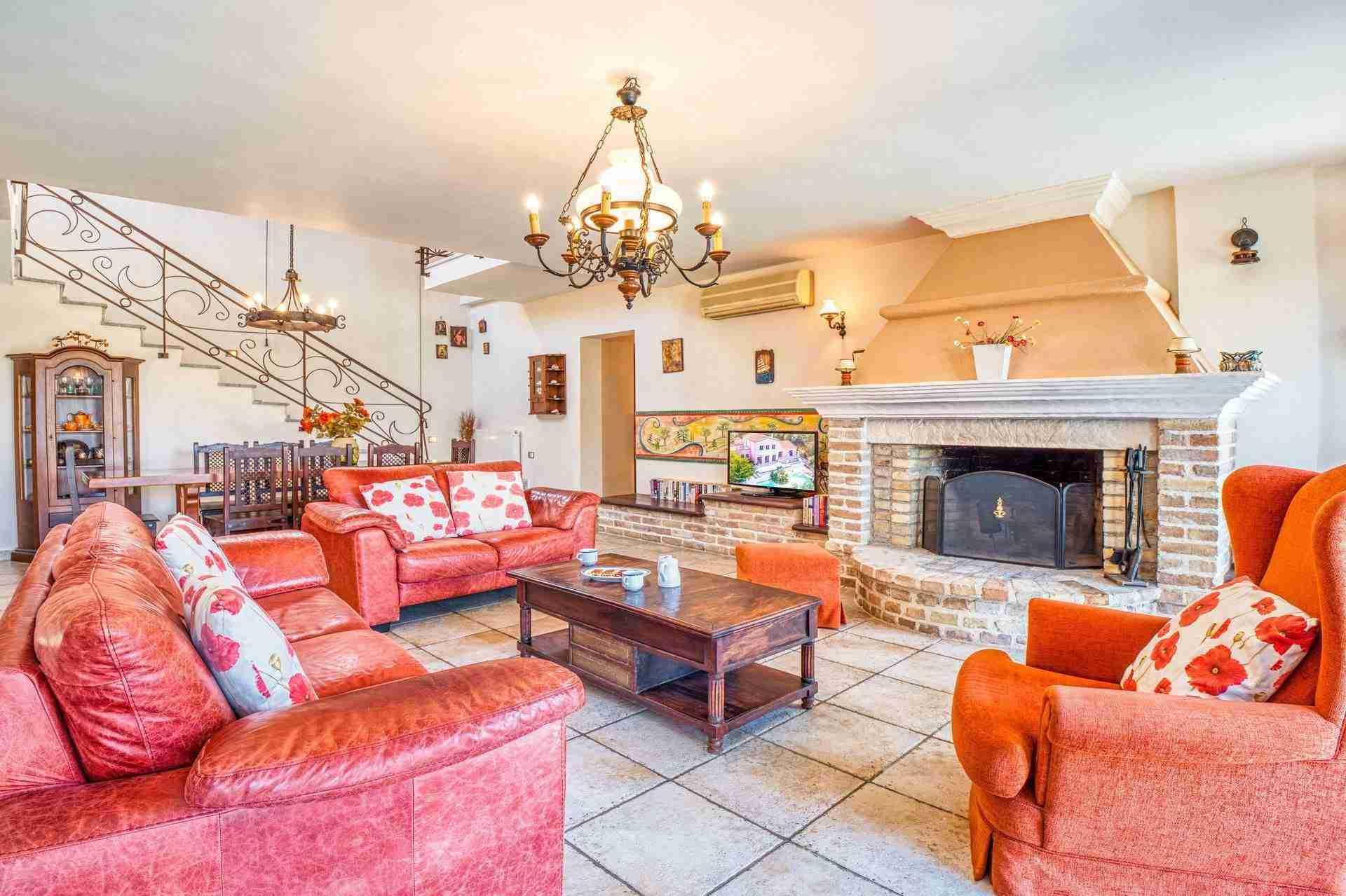 5 Febe living room