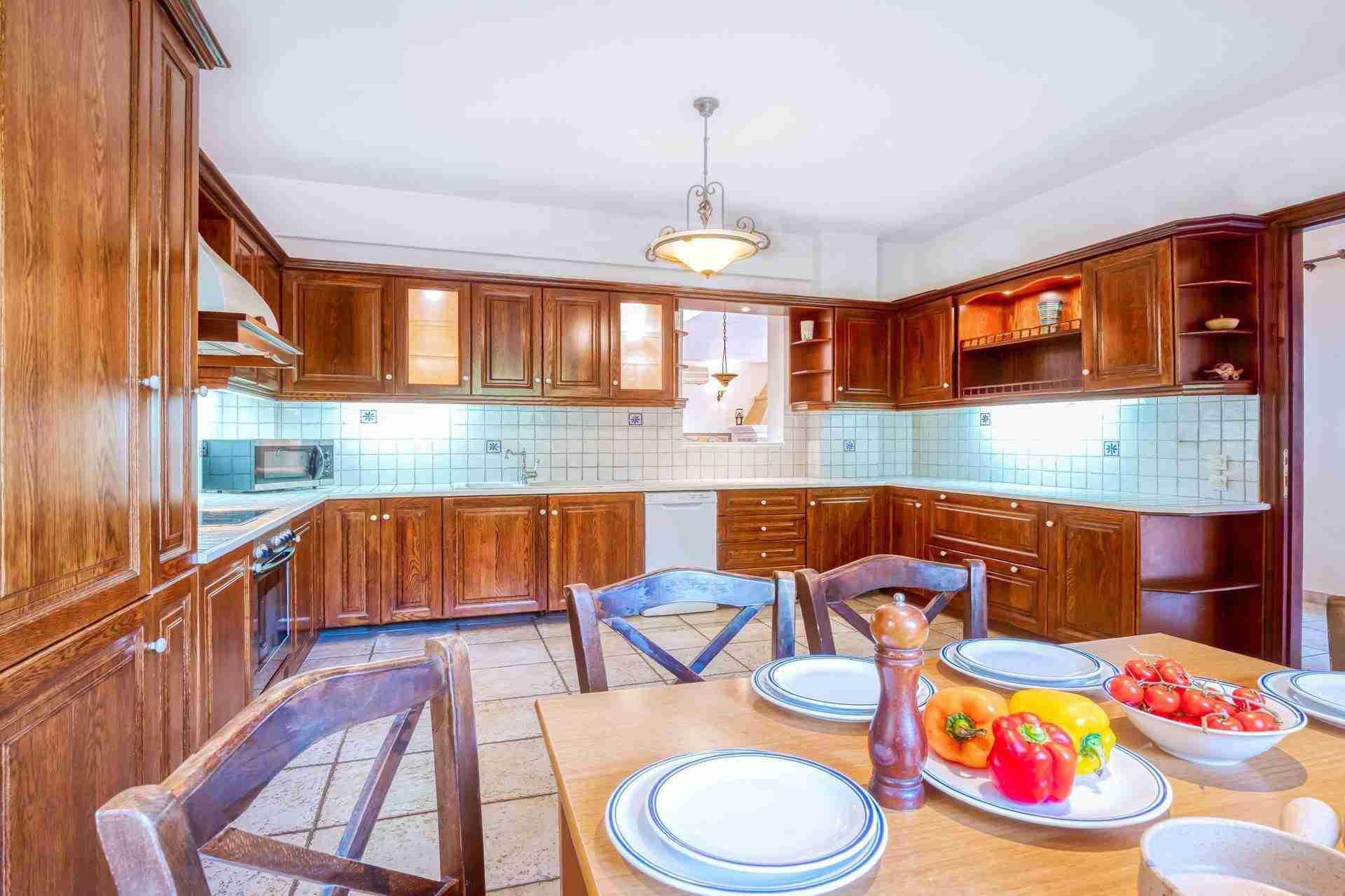 9 Febe kitchen