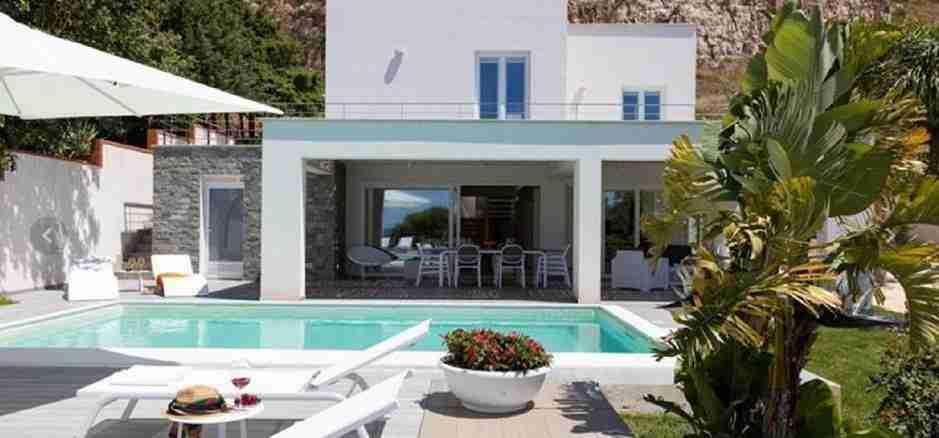 1 Iris private pool