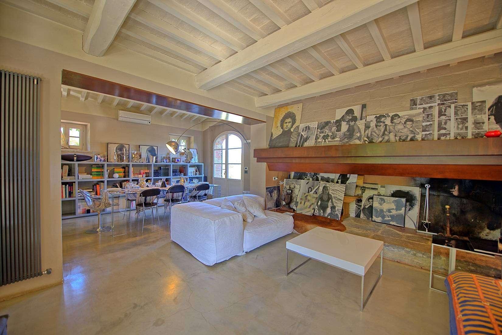 10 Jacopo Living room