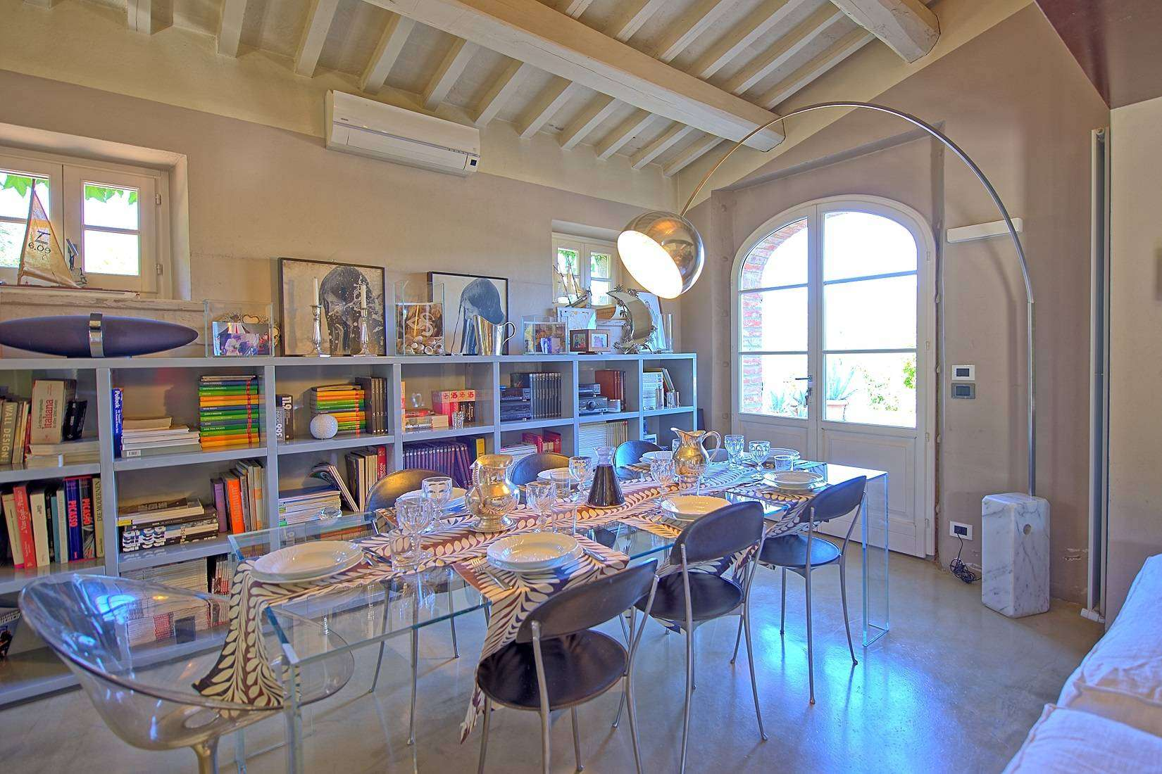 11 Jacopo Living room