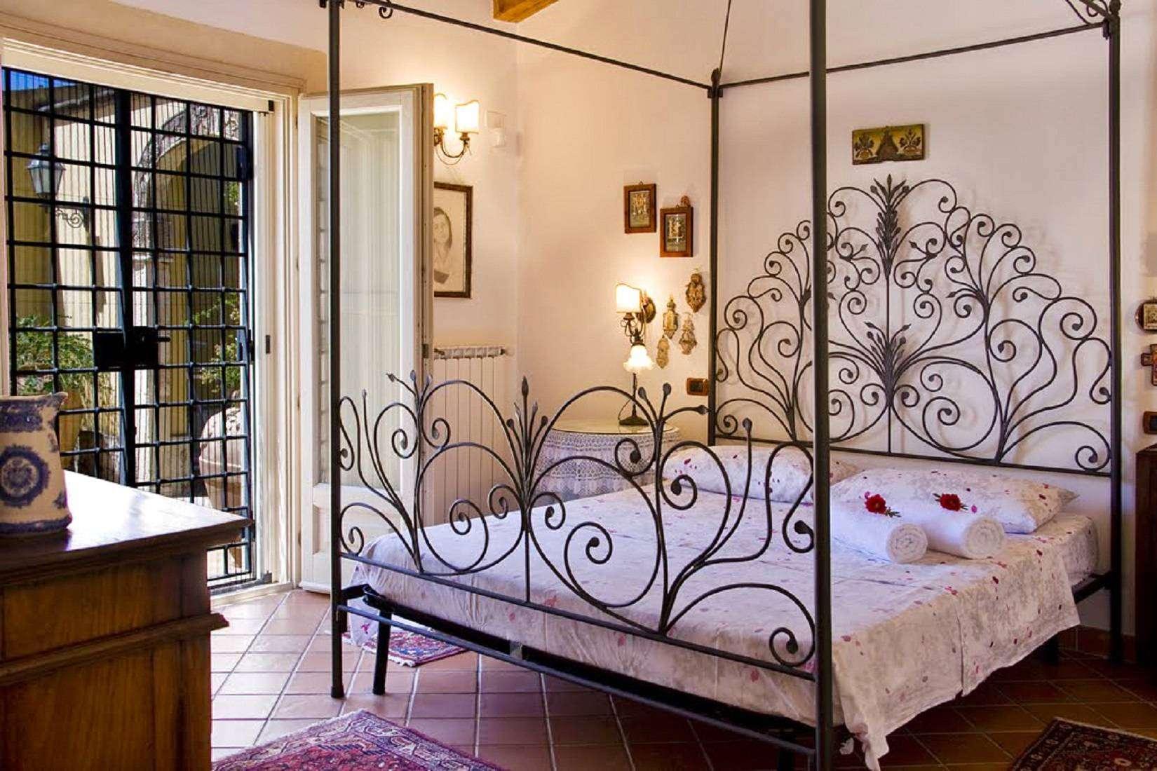 11 Lucia Master Bedroom