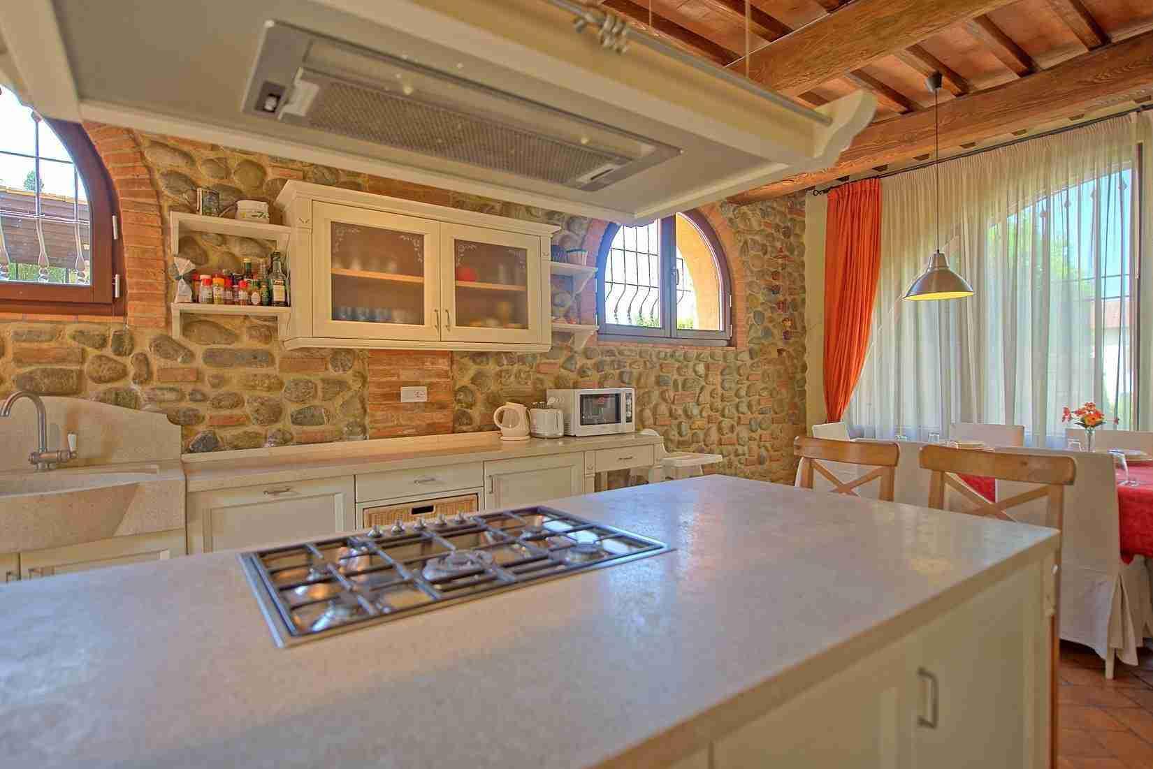 11 Ranieri kitchen
