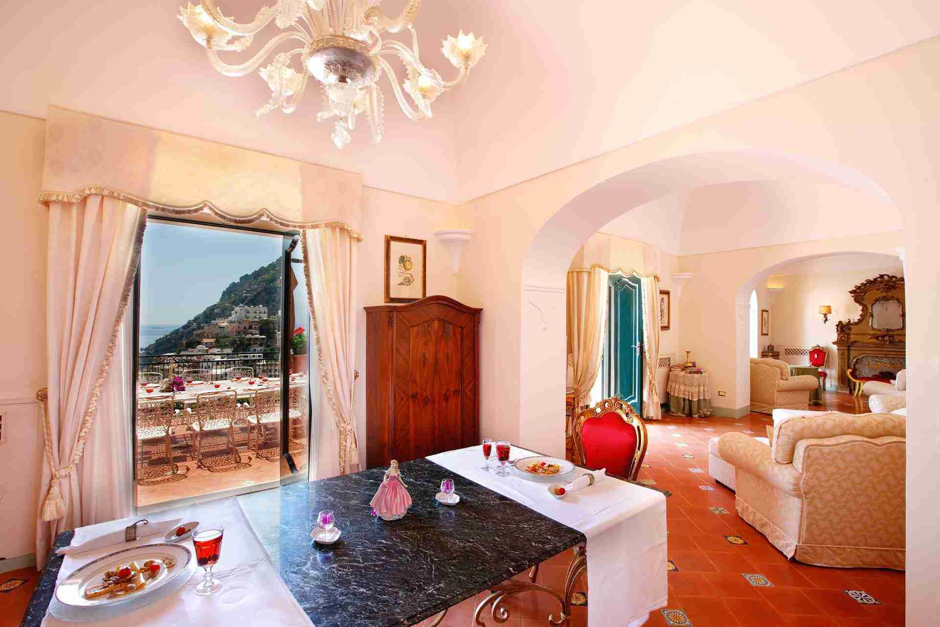 12 Positano living room