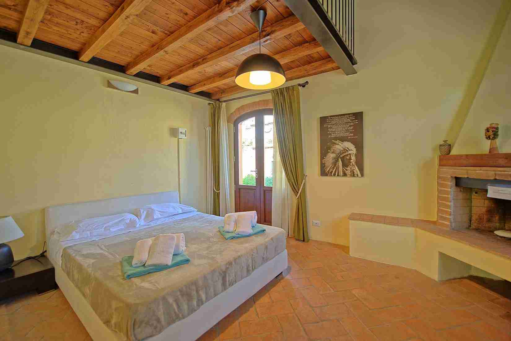 12 Ranieri double bedroom