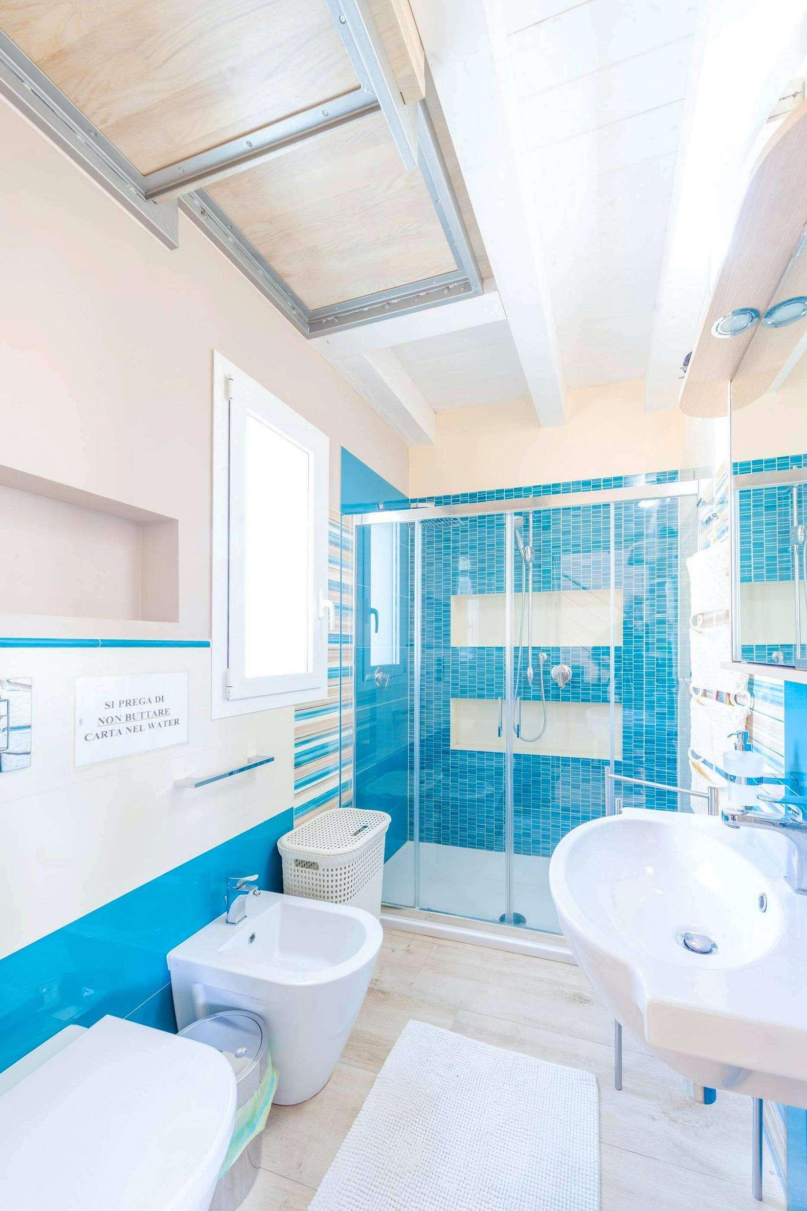 13 Avola Bathroom