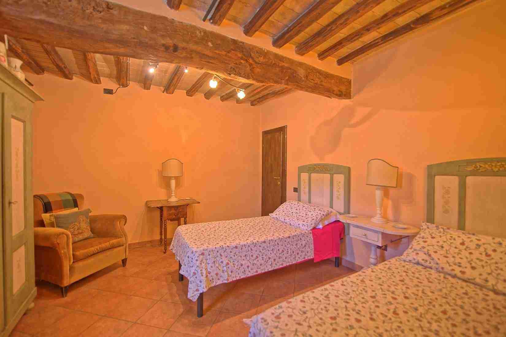 13 Clara twin bedroom