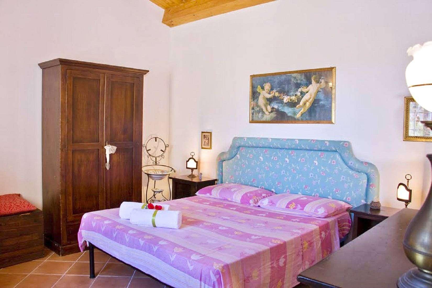 13 Lucia Bedroom