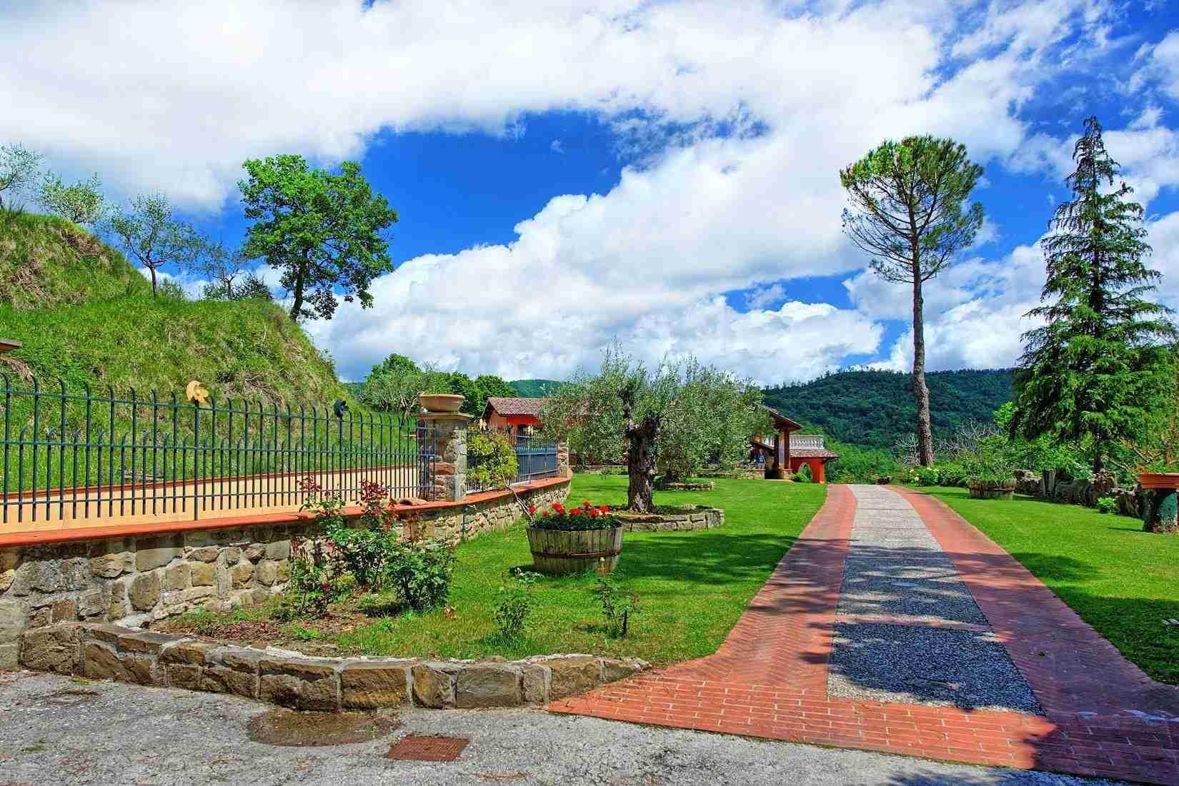 14 Etruria garden