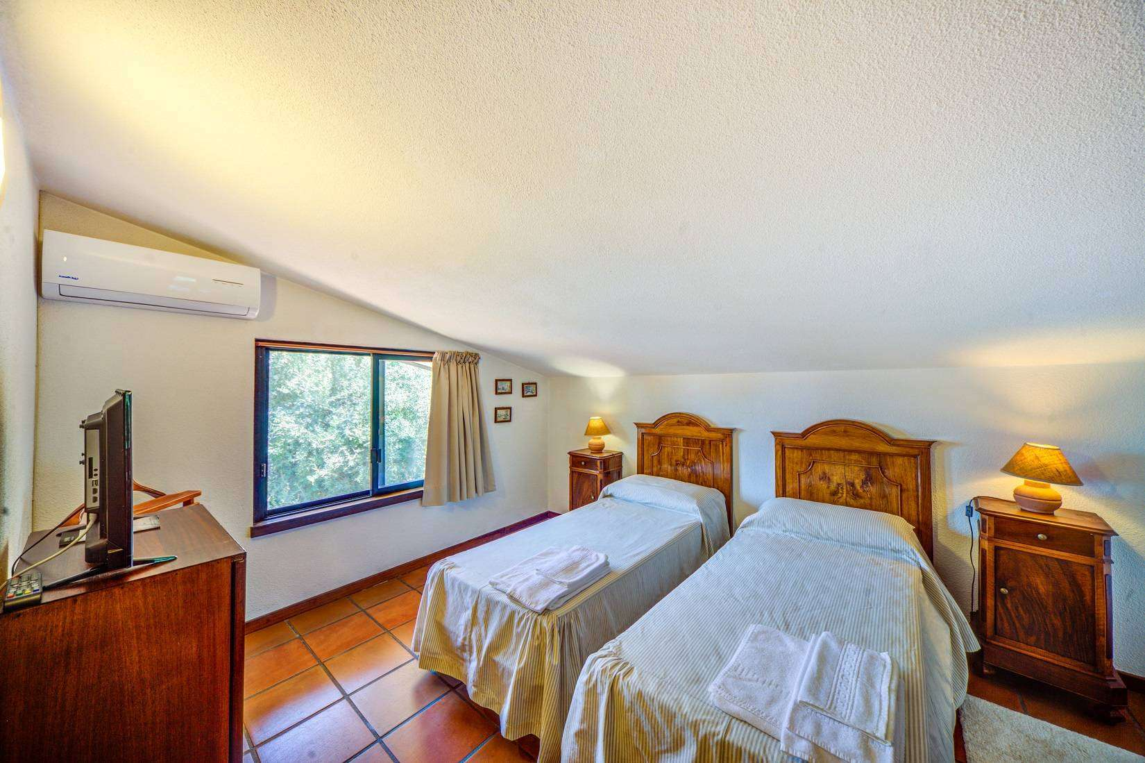 14 Forest Twin bedroom