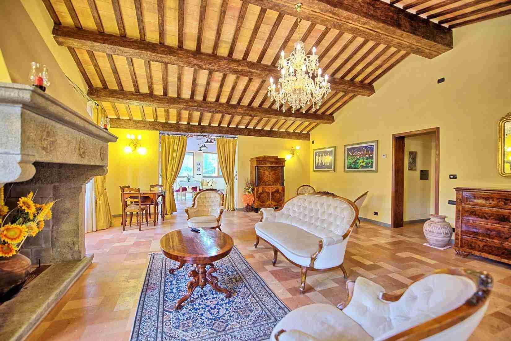 15 Etruria Living room
