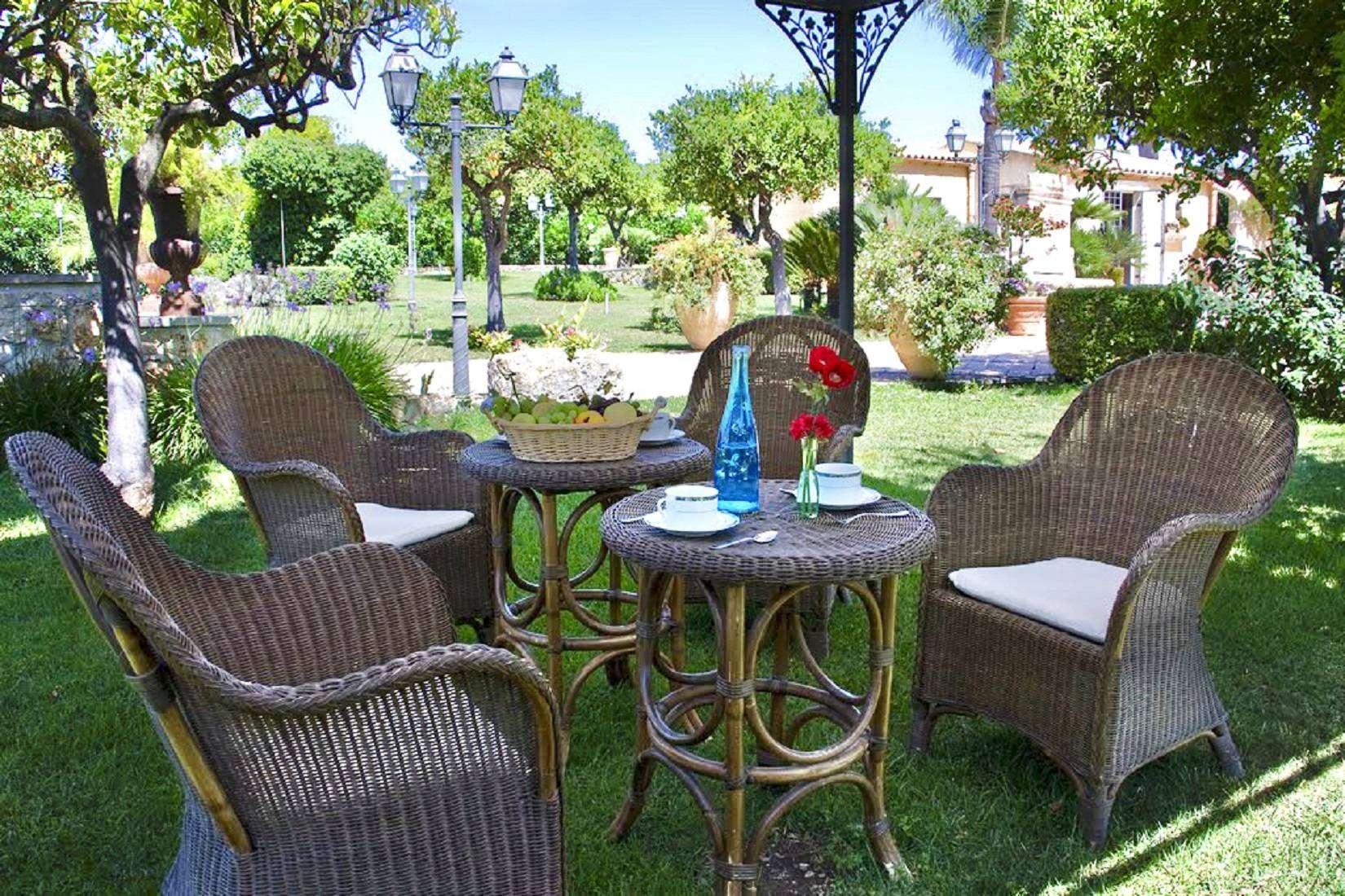 15 Lucia Garden