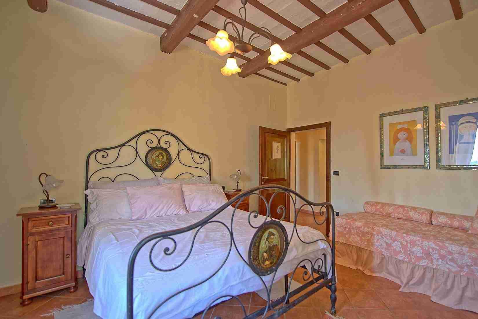 16 Clara double bedroom