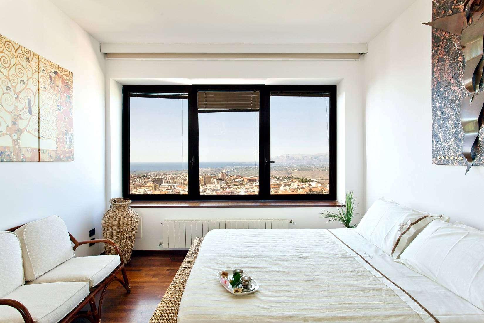 17 Infinity Double Bedroom