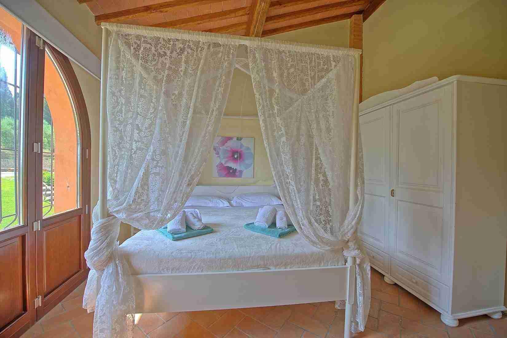 17 Ranieri double bedroom