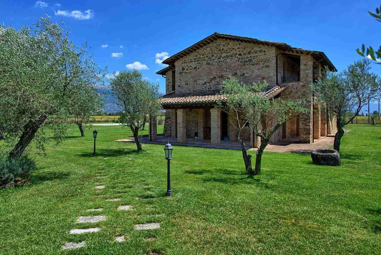 18 Assisi outdoors