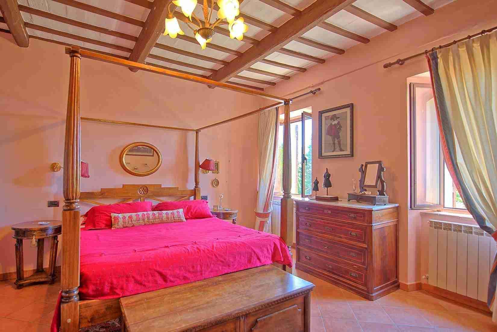 18 Clara double bedroom