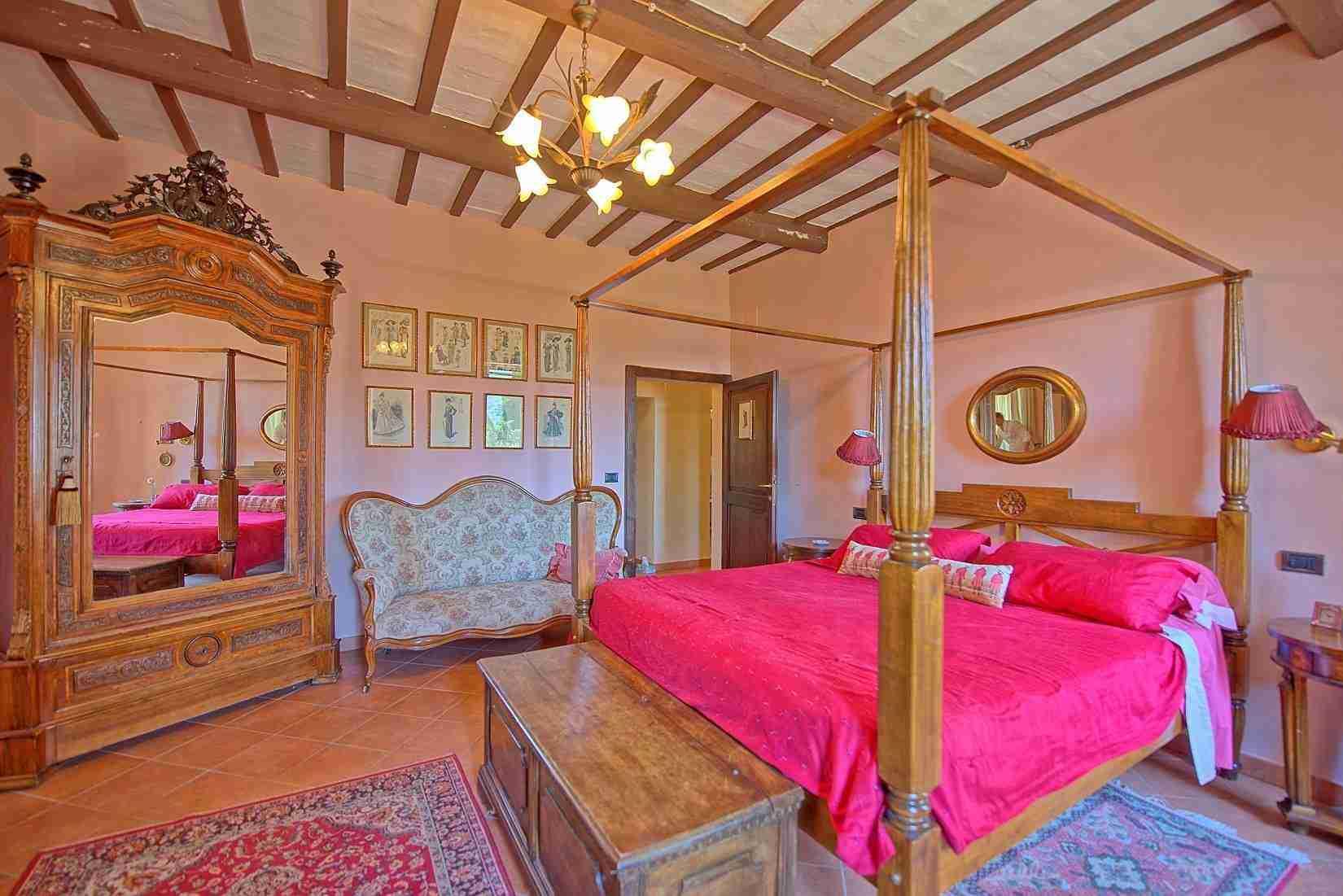 19 Clara double bedroom
