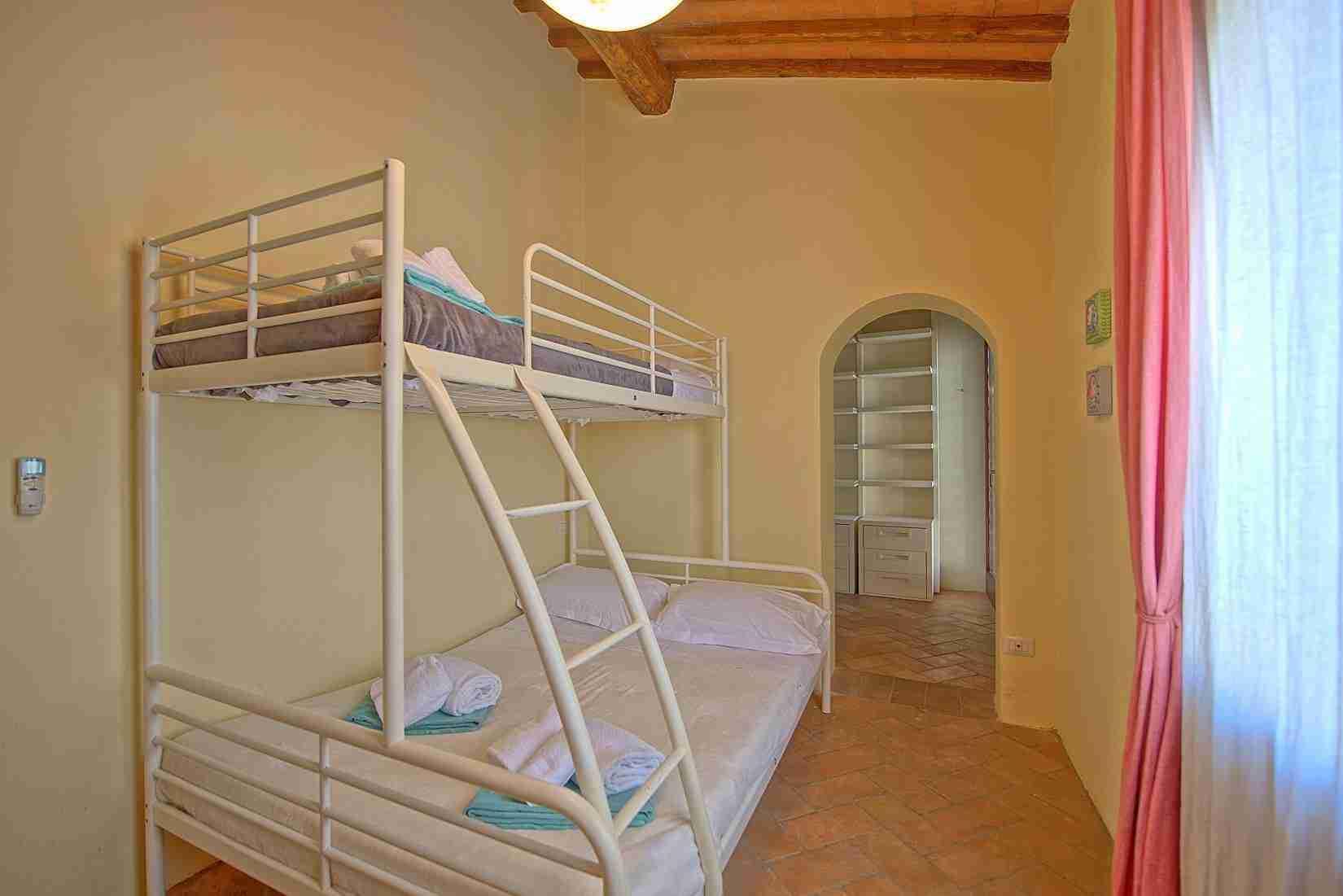 19 Ranieri bunk bed