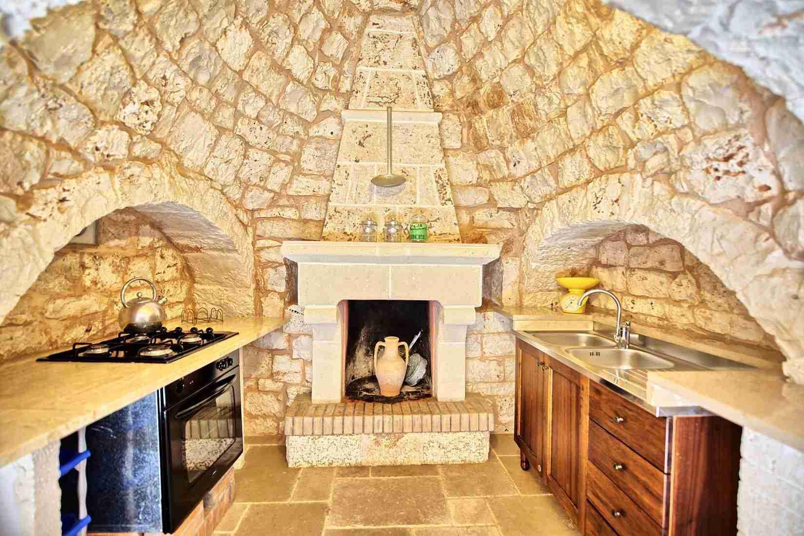 19 Sisin kitchen