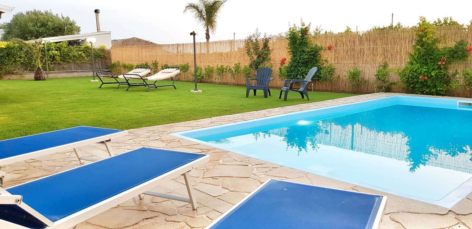 2 Delfina Pool