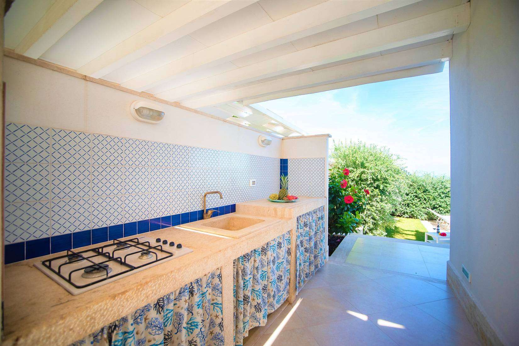 20 Bianca Outdoor Kitchen