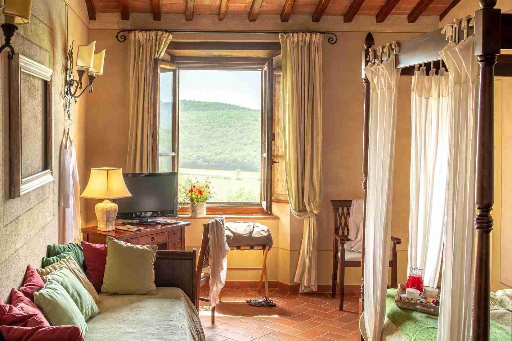 19 Fiorenza Bedroom