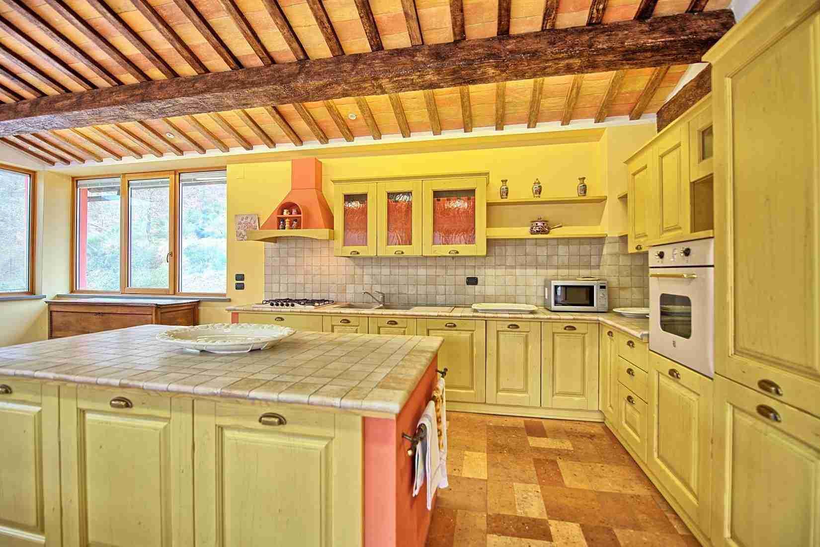 21 Etruria kitchen