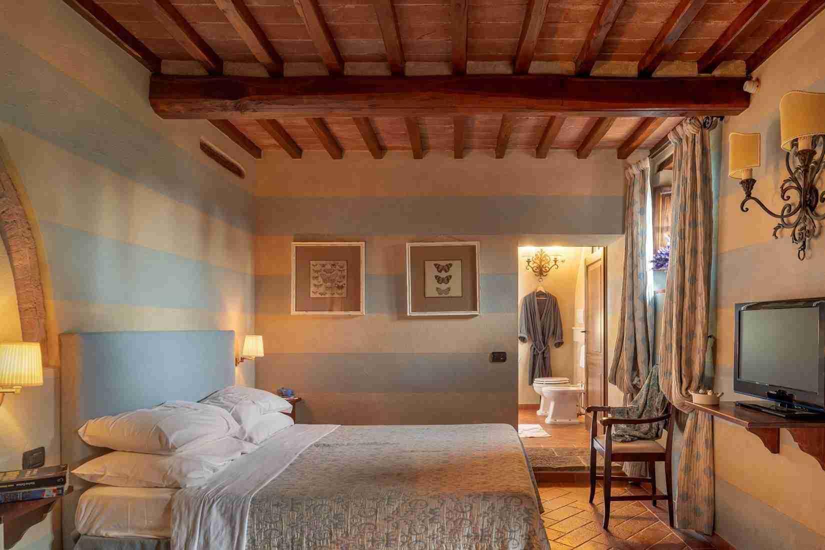 20 Fiorenza Bedroom