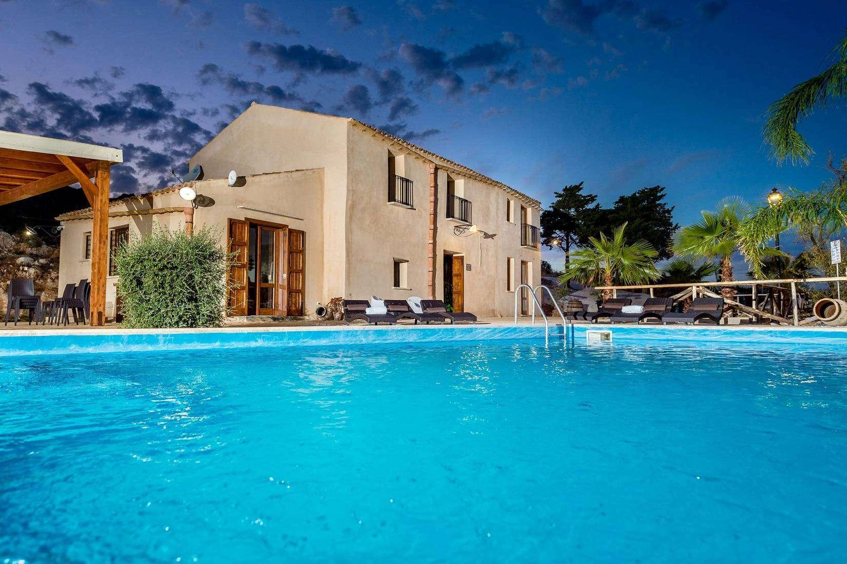 22 Le Muse Pool