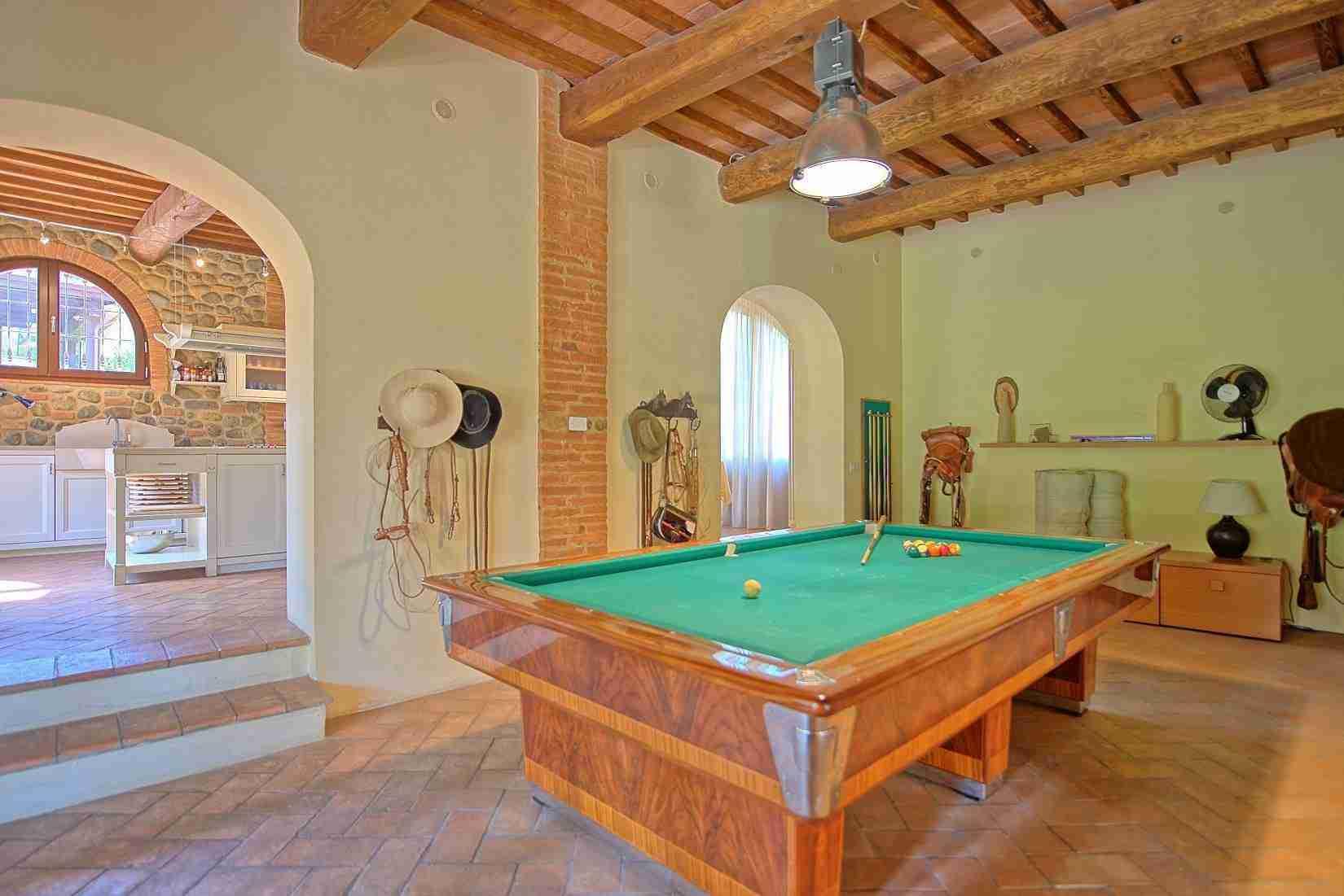 22 Ranieri billiard room