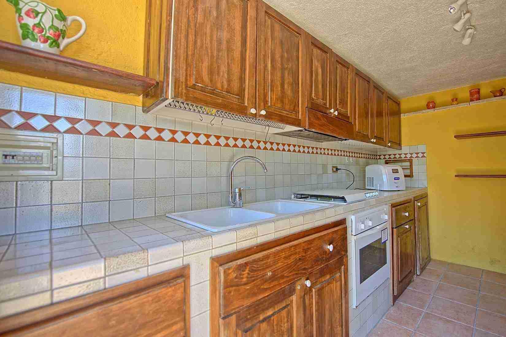 23 Clara kitchen