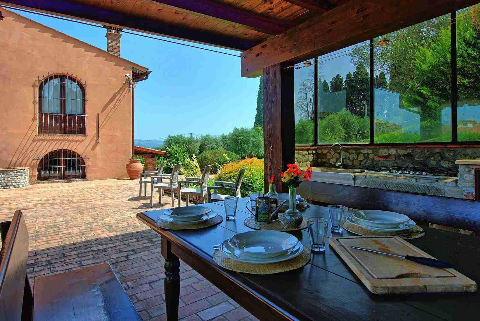 24 Ranieri outdoor kitchen