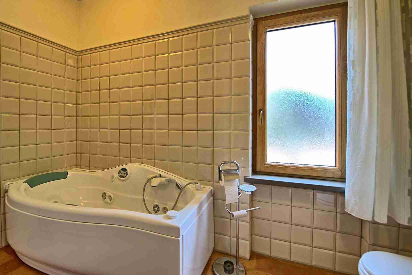 25 Etruria bathroom