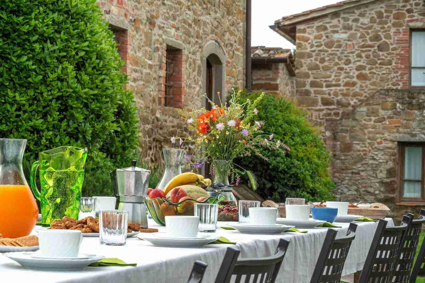 24 Fiorenza Outdoor Dine