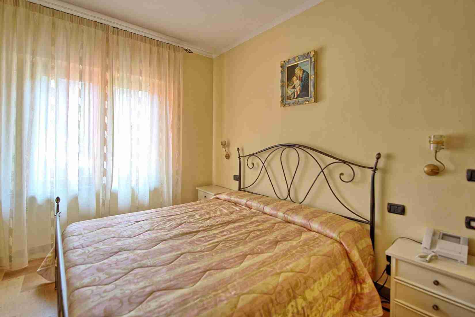 26 Etruria Double bedroom
