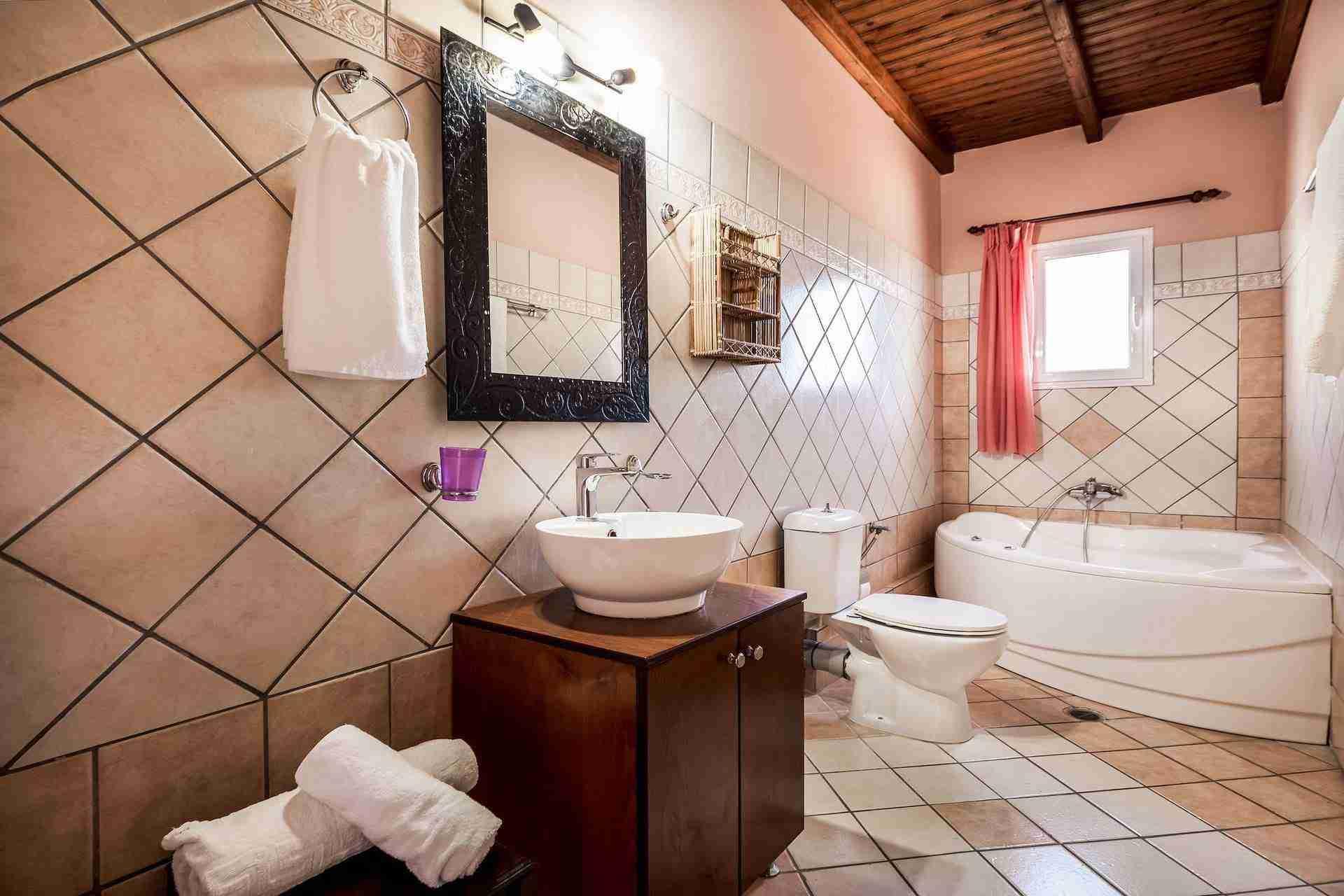 16 Athena Bathroom