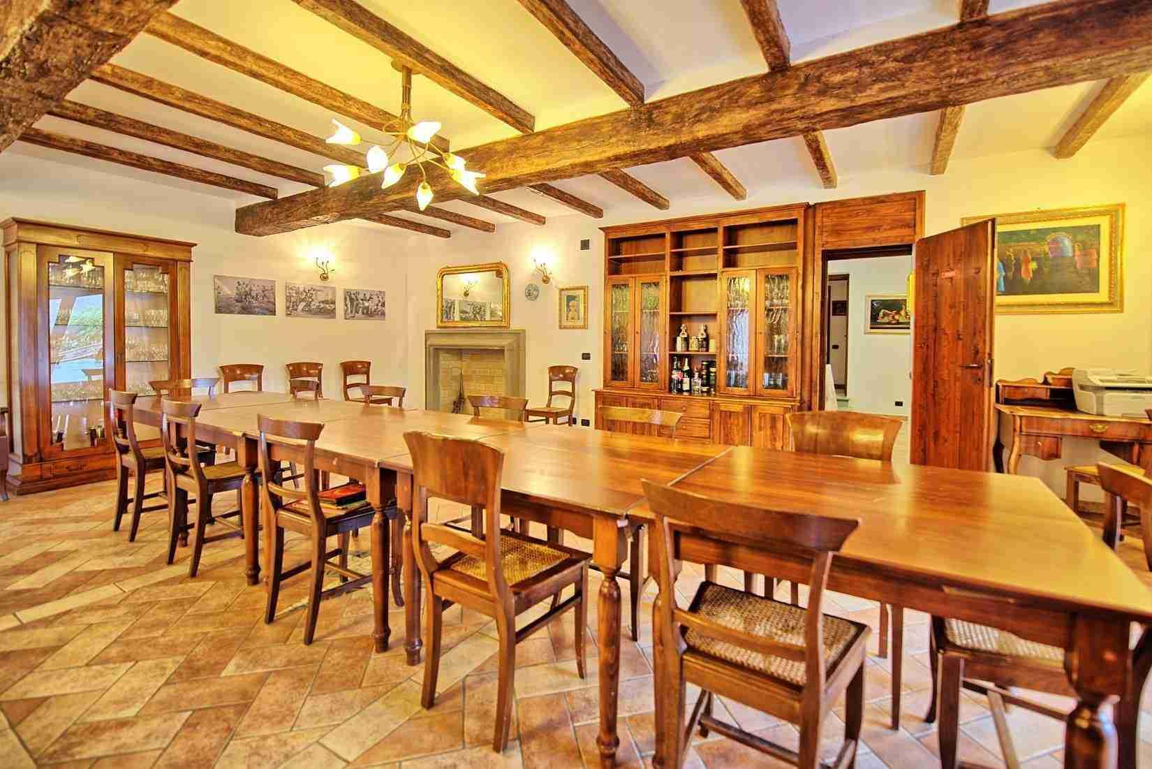 36 Etruria dining room