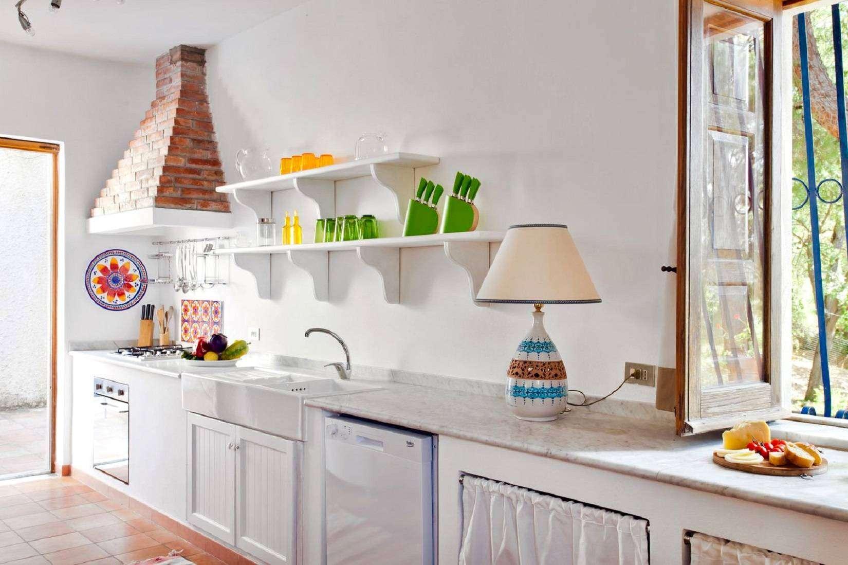 4 La Rocca Kitchen