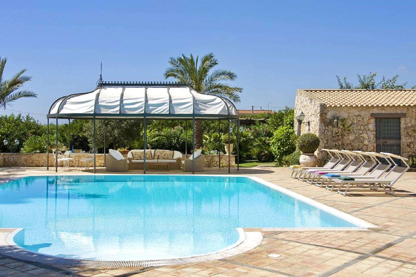 4 Lucia pool
