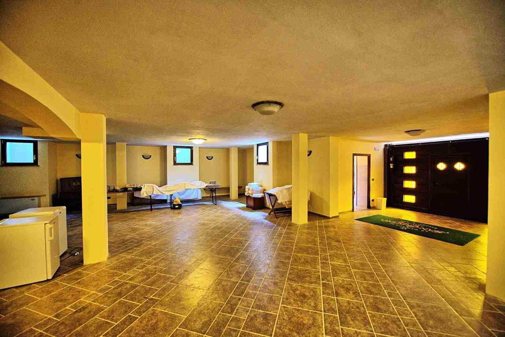 46 Assisi garage