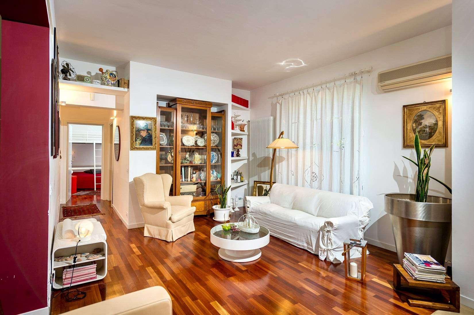 5 Dei Mori living room