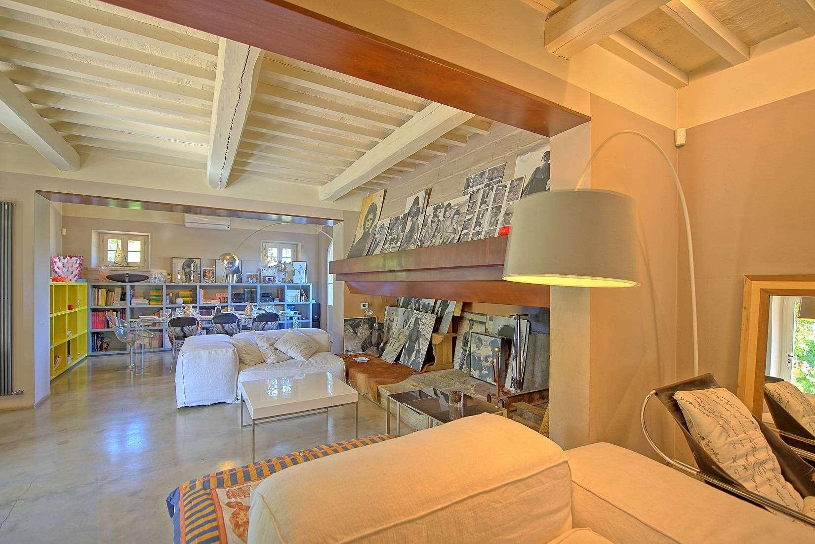 5 Jacopo Living room