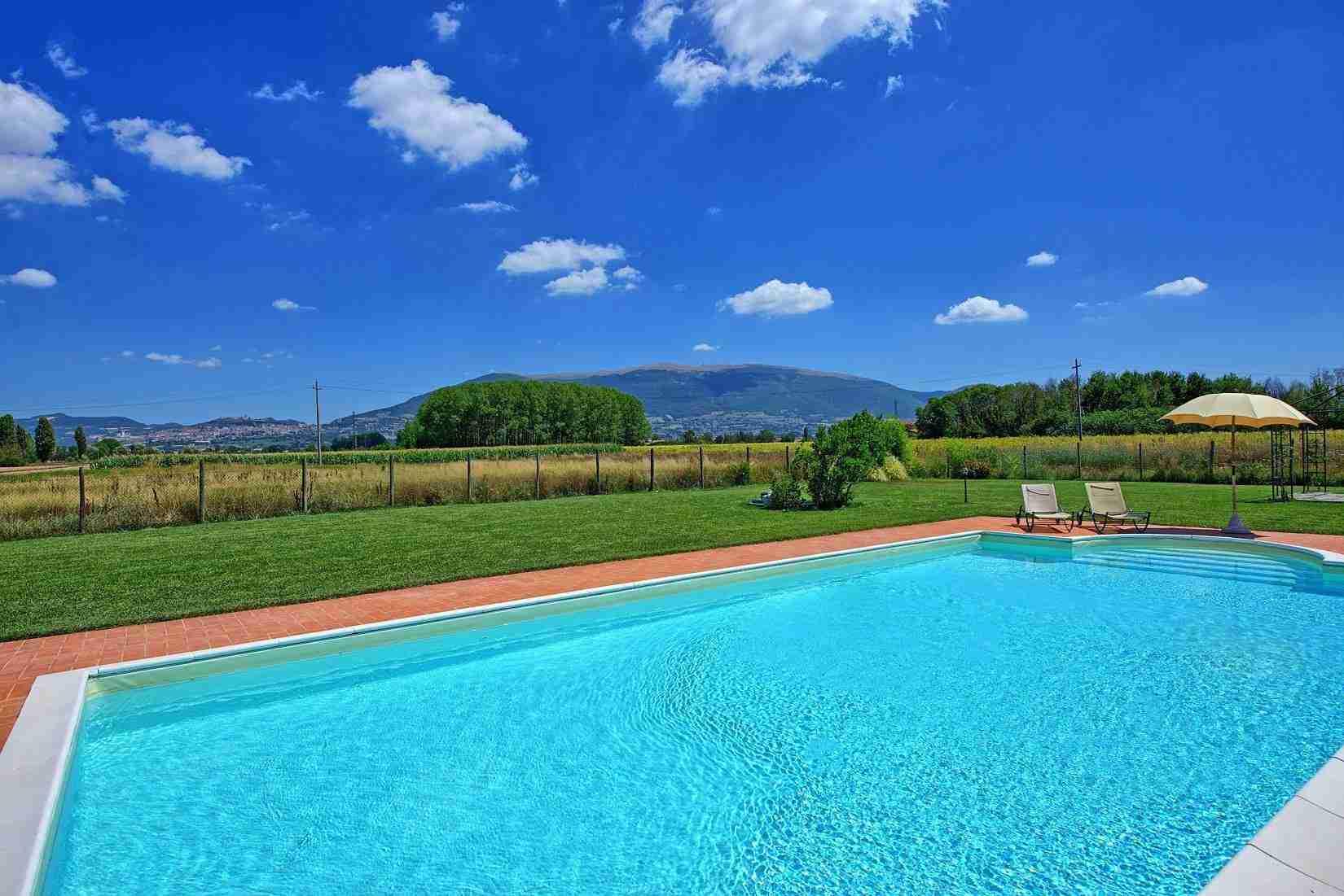 6 Assisi pool