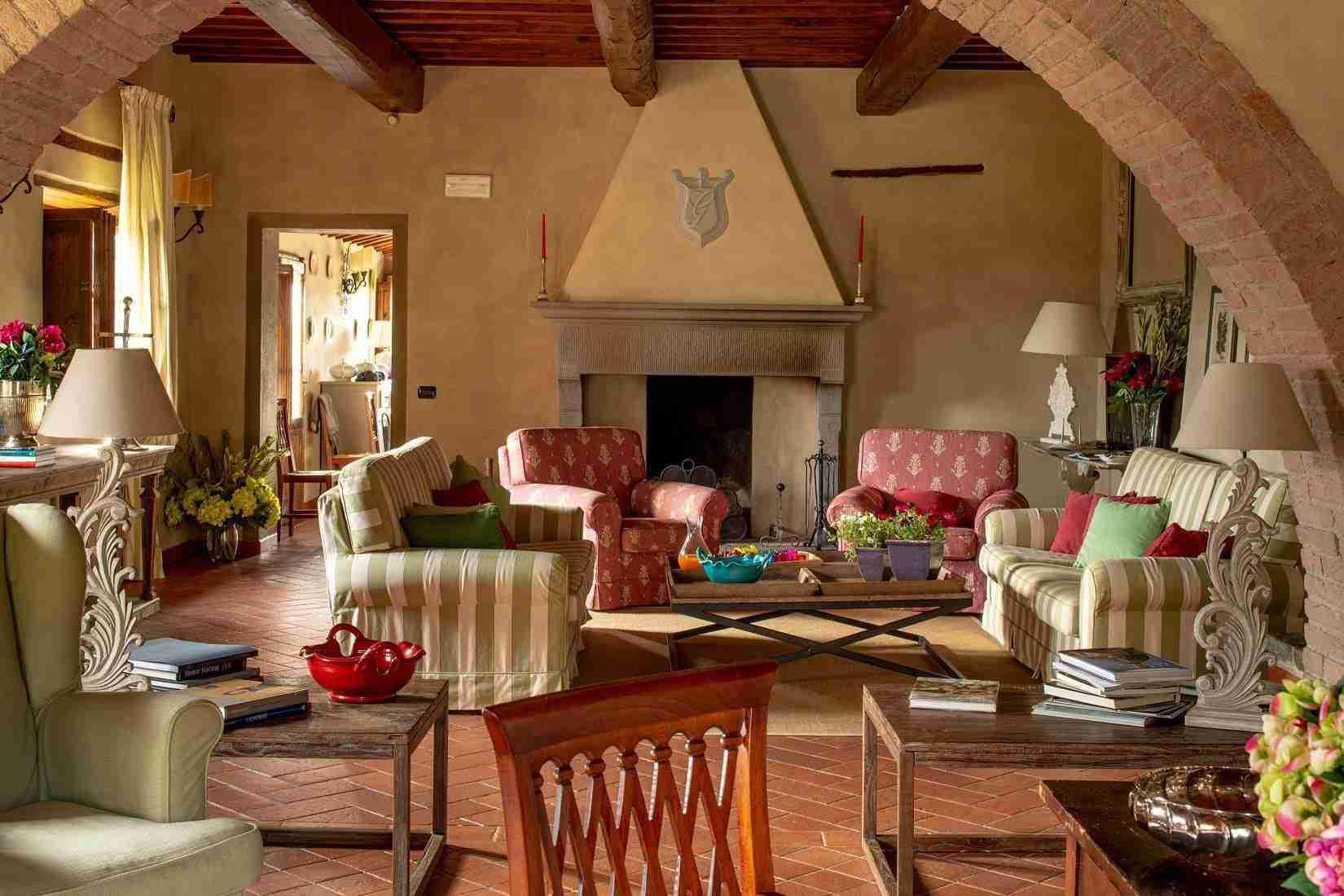 5 Fiorenza Cozy Fireplace