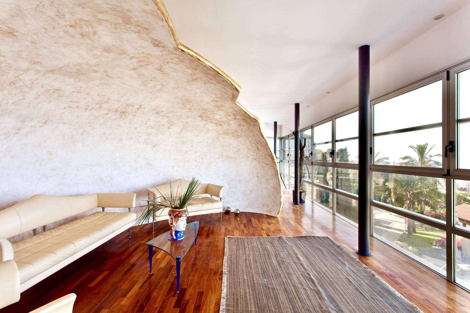 6 Infinity Living room