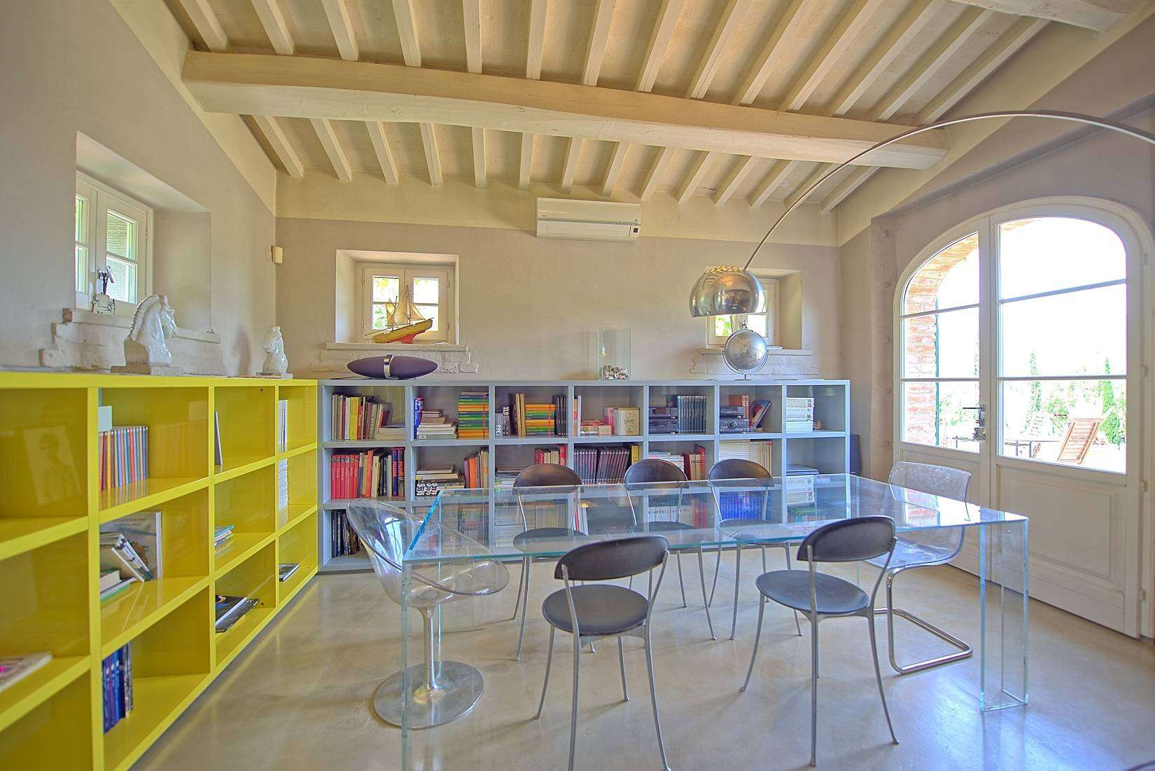 6 Jacopo Living room