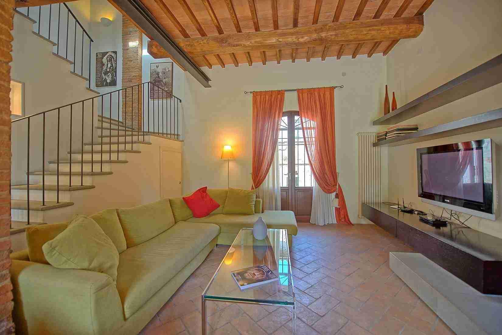 6 Ranieri living room