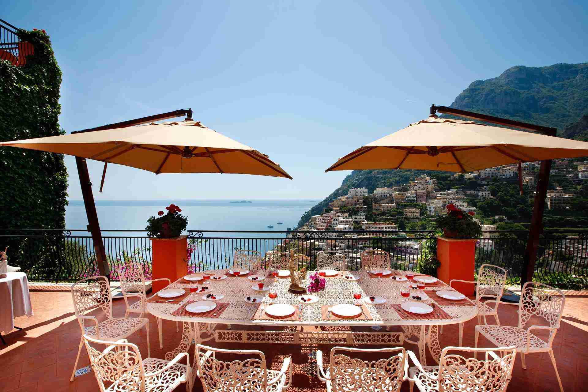 7 Positano outdoor dining area